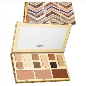 Tarte Clay Play Face eyeshadow palette shaping